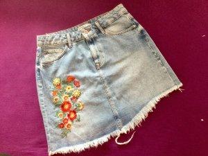 Asymmetrischer Jeans-Rock mit Schmucksteinen von Zara Gr.S/M