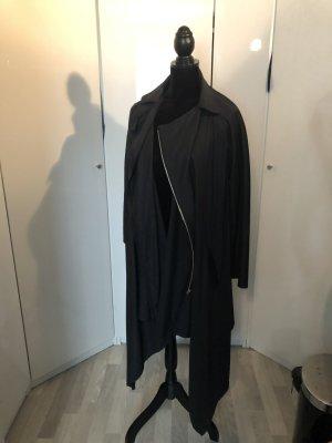 Asymmetrischer leichter Mantel
