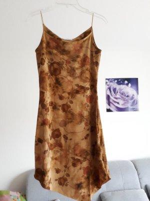 Asymmetrisches Sommerkleid von Xanaka