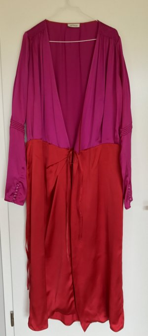 Gucci Robe à manches longues magenta-rouge framboise soie