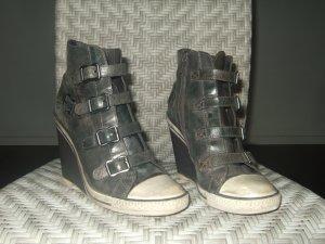 auffällige ankle boots im Used Look