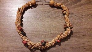 auffällige Halskette
