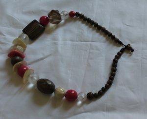 Auffällige Holz-/Perlenkette von MaxMara
