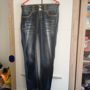 Auffällige Jeans