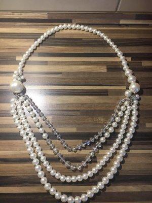 auffällige lange perlen kette