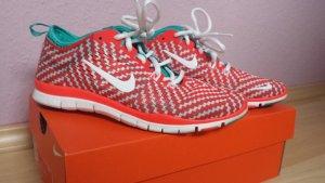 Auffällige Nike Free 5.0 TR Fit 4