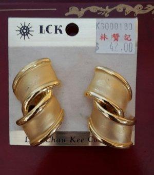 Auffällige Ohrringe von LCK