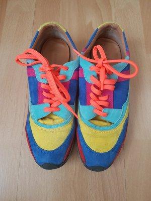 Auffällige Sneaker von ZARA