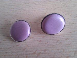 Anillo de cuentas púrpura