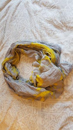 Auffälliger Schal von Marc o'Polo
