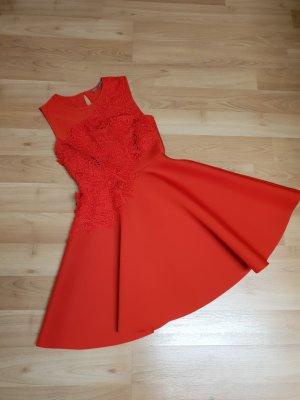 Auffälliges Kleid