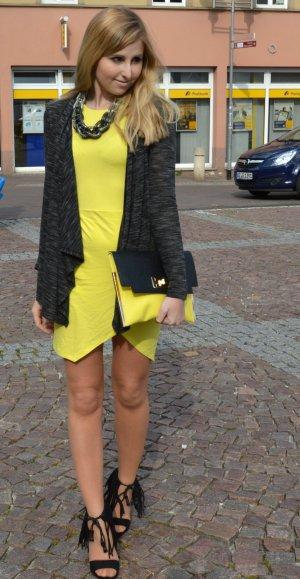Auffälliges trendiges Kleid Gelb