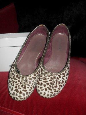 Auffallend schöne Loafers
