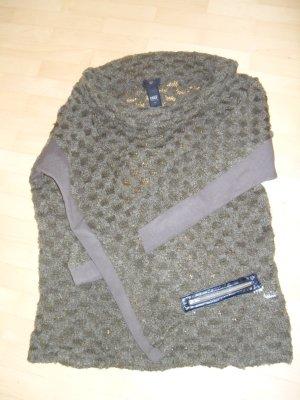 Auffallend schöner Pullover