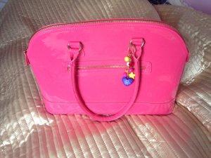 Auffallende Pinke Tasche, Pauls Boutique angelehnt