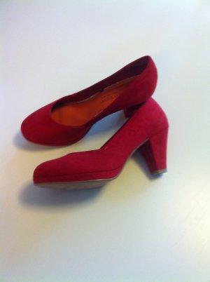 Aufregende, rote Schuhe