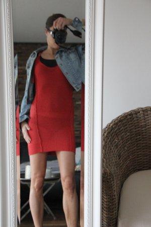 Aufregendes Kleid in rot von Diesel