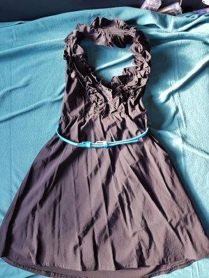 Aufregendes Neckholder-Rüschenkleid Tally Weil in schwarz mit hellblauen Gürtel