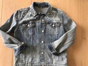 Aufwendig mit Perlen verzierte Jeansjacke von Hallhuber