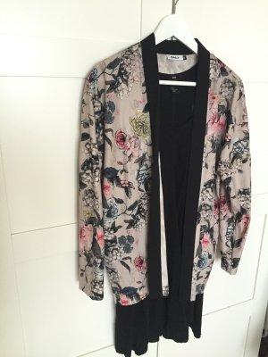 Ausgefallene bunte Jacke mit Blumen