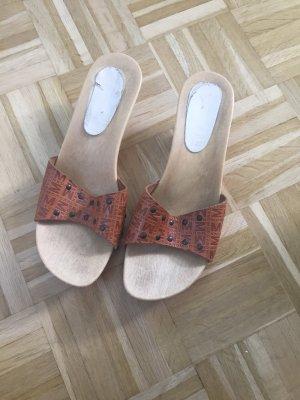 Ausgefallene Clogs aus Holz/ Sandalen