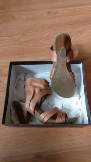 Ausgefallene Damen-Sandalen von Tamaris, NEU, Leder, Gr. 38, braun/cognac, Holzabsatz