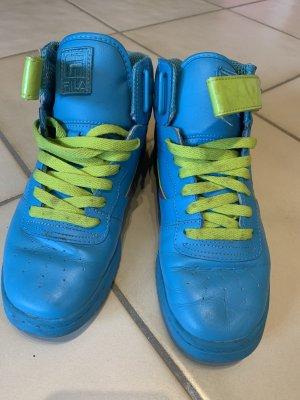 Ausgefallene FILA Sneaker in blau