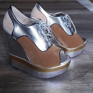 Ausgefallene High-Heel Wedges