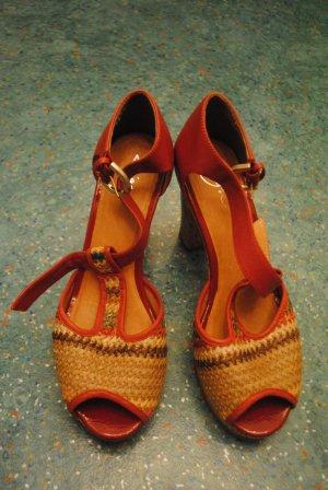 Ausgefallene, hohe Schuhe