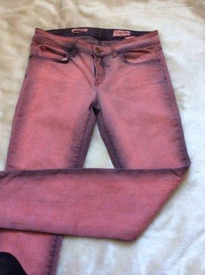 Ausgefallene neuwertige Skinny-Jeans in rot-schwarz, nur 2x getragen