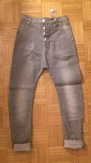 ausgefallene Stretch-Jeans von rütme, grau, Haremshose, Streetstyle, NEU