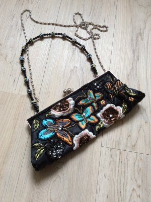 Ausgefallene Tasche mit Perlen