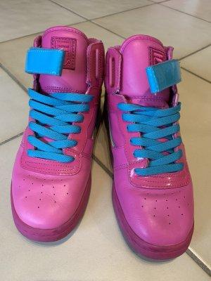 Ausgefallener FILA Sneaker in Pink