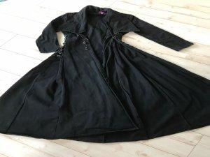 Ausgefallener Mantel für Gothikfans
