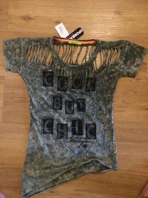 Ausgefallenes Shirt mit Cut Outs von Cipo&Baxx