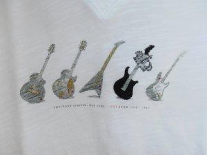 Ausgefallenes Shirt von Ikks mit kleinem Gitarren - Glitzermotiv (Vintage-Style)