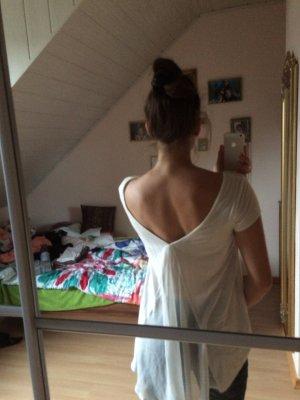 Ausgefallenes T-Shirt mit schönem Rückenausschnitt