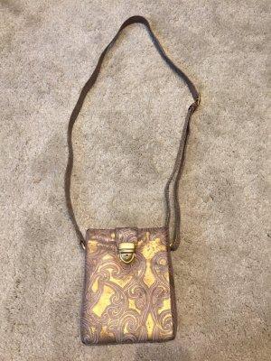Ausgefalllene Metallic-Tasche von PICARD
