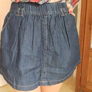 Ausgestellter Jeans-Rock mit Streifen