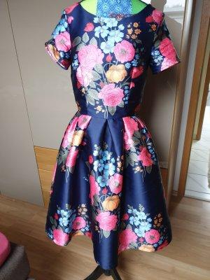 Chi Chi London Robe trapèze multicolore