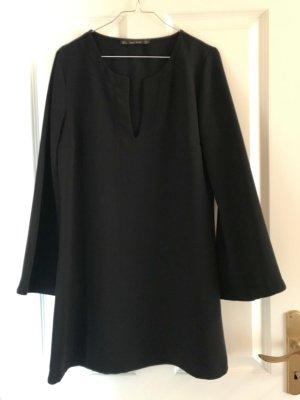 Ausgestelltes Kleid in Größe L
