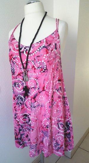 Ausgestelltes Sommerkleid mit Batikmuster Gr. 42