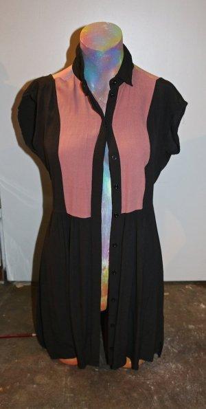 Aussergewöhnlich geschnittenes Minikleid