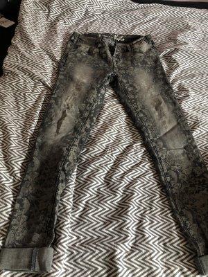 Außergewöhnliche Hose