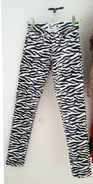 Aussergewöhnliche Jeans mit Zebra Muster, Gr. 26