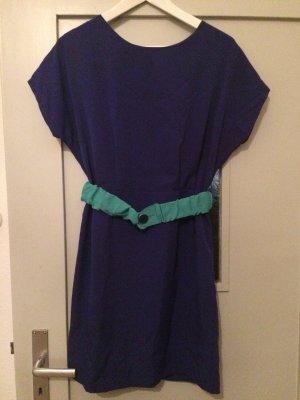 Außergewöhnliches Kleid inkl. Gürtel