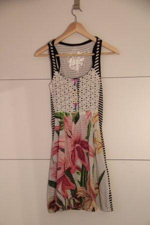 Außergewöhnliches Kleid von Desigual Gr.XS
