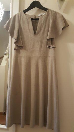 Außergewöhnliches Kleid von Mango Suit in Wildlederoptik - S