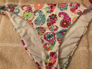 AUSVERKAUF: 2 süße Bikini-Slips, Gr. M/38