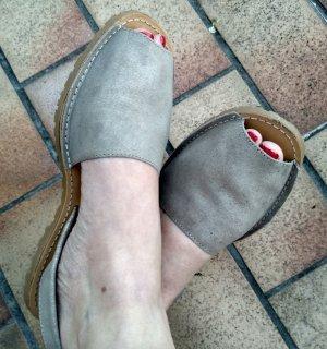 Sandalias cómodas color plata-color oro